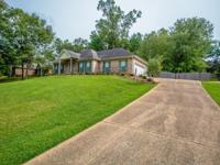 3-BD/ 2-BA Home available in the Castlewoods Golf