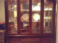 RAYMOUR & FLANIGAN CHINA CLOSET WITH LIGHTING AND