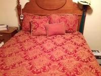 Queen comforter with shams and accent cushions 30.00