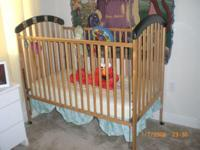Descripción WOOD CRIB $50 WOOD GIRLS ROCKING CHAIR $15