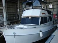 Key Features The 42' Grand Banks Classic is one of the