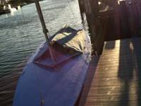 Racing sailboat   MScow 16 in good shape, straight