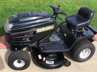 MTD : Yard machines lawn tractor, 18 hp Briggs &