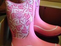 brand NIB the original muck boots never worn was a gift