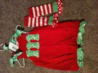 i have 2 mudpie outifts::: 1st- is a christmas courdory