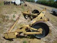 Murray 3 pt 5 shank Ripper with gauge wheels $1,700