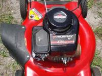 Murray Lawn Mower Nice running mower, cuts grass very