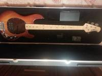 . Music Man Stingray Sunburst Maple neck Excellent