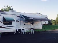 Must Sale!!! Premier 5th Wheel its 42 Ft. with 4