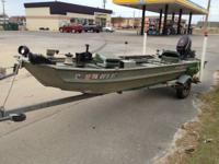 Must see..1998 dura craft 14ft Jon boat..25 hp
