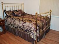 Beautiful Brass Bed, a real showpiece. ***This is NOT
