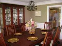 Mission-style Dining Room set w/ dark wood finish, 6
