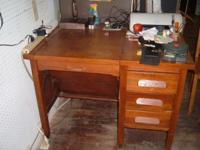 MUST SELL!!!!! 1920's OAK SECRETARIAT DESK w/