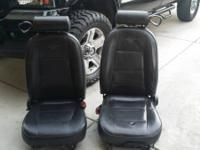 02 Mustang leather seats no tears good condition front