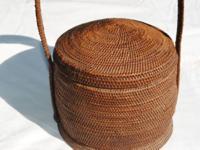 ANTIQUE FINELY WOVEN HAND MADE BASKET EXCELLENT