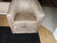 Here is a Stunning All Real Mocha MicroFiber Chair from