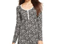 With long sleeves, a round neck, and a pretty print,