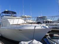 The Navigator 5300 Classic is a pilothouse yacht with a