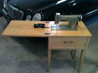 Very nice Necchi Bu sewing machine in good working and