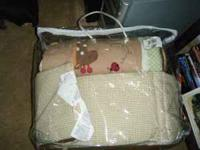 Selling a Neutral Crib Bumper and Coverlet f/ boy or