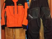 STAY WARM AND LOOKING GOOD WITH THESE NEVER USED Klim