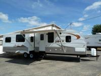 NEW 2013 32' LAYTON 309 TRAVEL TRAILER RV w/2 SLIDES
