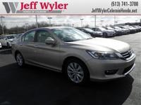 Body Style: Sedan Exterior Color: Champagne Frost