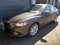 Body Style: Sedan Exterior Color: METEOR GRAY Interior