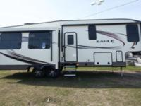 BEAUTIFUL REAR LIVING JAYCO EAGLE 5th WHEEL 2 YR