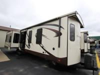 New 2016 Sierra 39 Destination Trailer Rear living