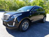 Boasts 25 Highway MPG and 18 City MPG! This Cadillac