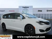 Bright White Clearcoat 2019 Chrysler Pacifica Touring