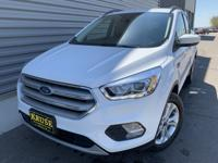 Oxford White 2019 Ford Escape SEL 4WD 6-Speed Automatic