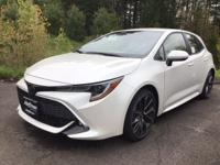 Blizzard Pearl 2019 Toyota Corolla Hatchback XSE FWD