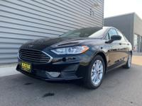 2020 Ford Fusion SE FWD Black 6-Speed Automatic.