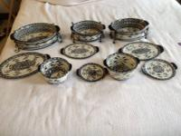 13 piece Ceramic Lid-It Oven-to-Tabel set.Take rt out