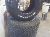 Near New 32x11.50x15 BFGOODRICH MUD TERRAIN. Less than