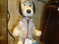 Vintage 1969 snoopy astronaut doll looks great $35.00