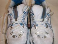 The New Balance 520 women's cushion running shoe offers