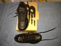 NEW BALANCE SHOES (BLACK), SIZE 8 1/2 INCH FOR MEN.