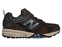 Like new condition womens New balance hiking sneakers.