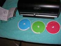 I am selling this new Disc Gear 100 DVD or CD Disc