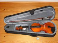 This is a brand name new Skylark 4/4 violin with a