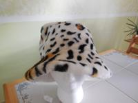 I have for female and girls hats synthetic new animal