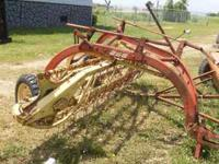 New Holland Hay Rake in Good Condition. Model 256