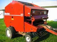 NEW IDEA ROUND BALER 5X6 BALE FIXED CHAMBER HAS MONITOR