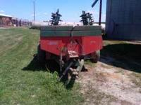 New Idea Manure Spreader Model 243 Call  Location: Lone