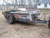 3618 New Idea Manure Spreader. Galvonized sides, slop