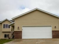 509 Field View Dr, Rapid City Fantastic turn-key home!