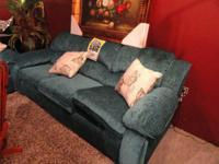 - Retail price: $1195, Our price: $699 - Throw pillows